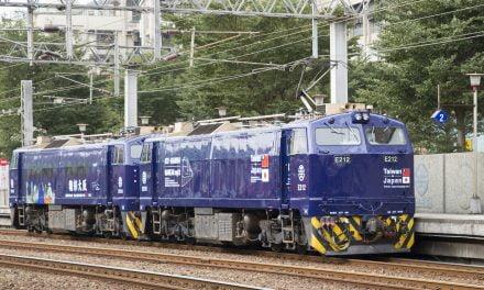 「日台友誼號」彩繪電車在台鐵運行