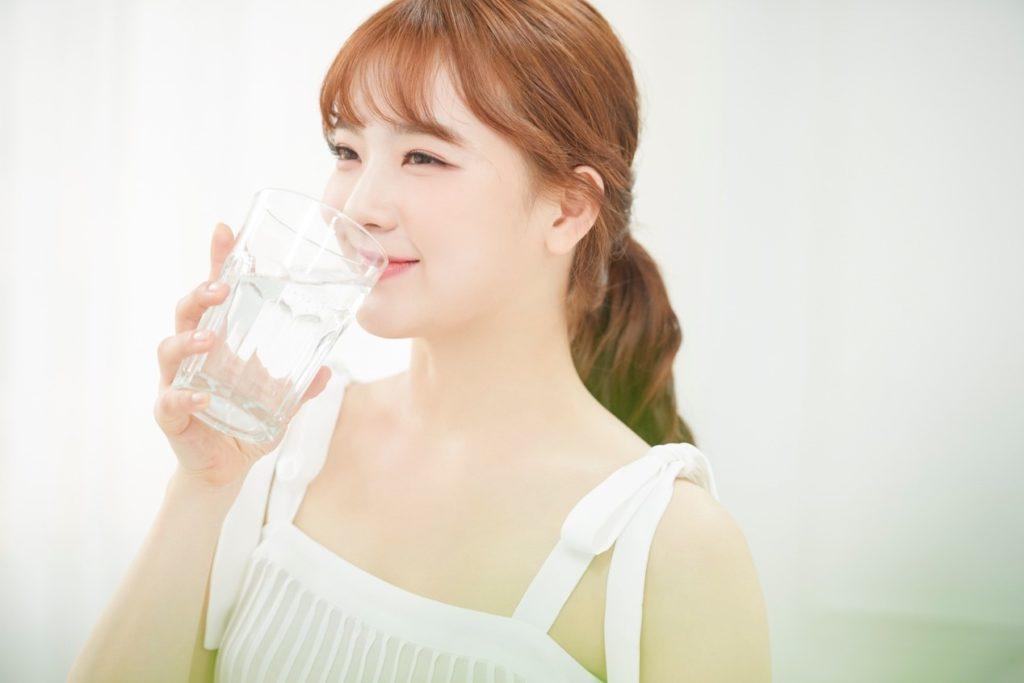 科學減脂的減肥方法中,喝水是非常重要的一環哦!(圖片提供:眭致遠)